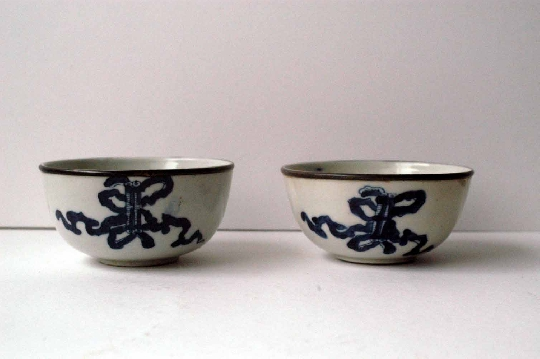 CHINESE BLUE and WHITE porcelain pair bowls 19th Century  10.7 cm. diam silber.  SOLD!