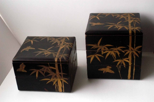 JAPANESE-ART EDO period JUBAKO lacquer GOLD and SILVER makie 21.2*22.8*37.5 cm. foto 2