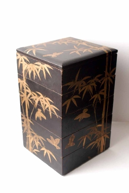 JAPANESE-ART EDO period JUBAKO lacquer GOLD and SILVER makie 21.2*22.8*37.5 cm. foto 3