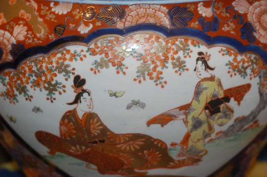 JAPANESE porcelain  IMARI FISH BOWL edo period diam 40 cm. SOLD!