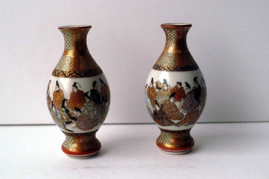 SATSUMA pair miniature vasesmeiji period  8.8 cm sign. foto 4