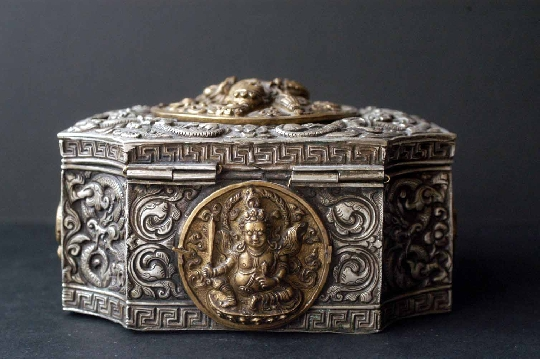 TIBETAN SILVER BOX 18th 6-9-12 cm. FOTO 5